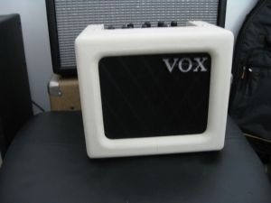 Ivory Vox Mini3 with Fender SCXD behind